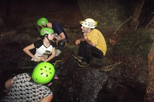 CAVING NA CAVERNA DO QUEBRA CORPO